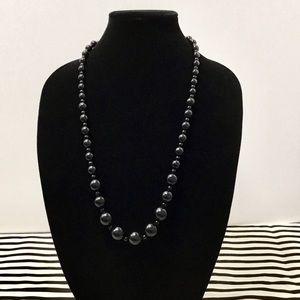 Jewelry - Glossy Black Graduated Beaded Necklace